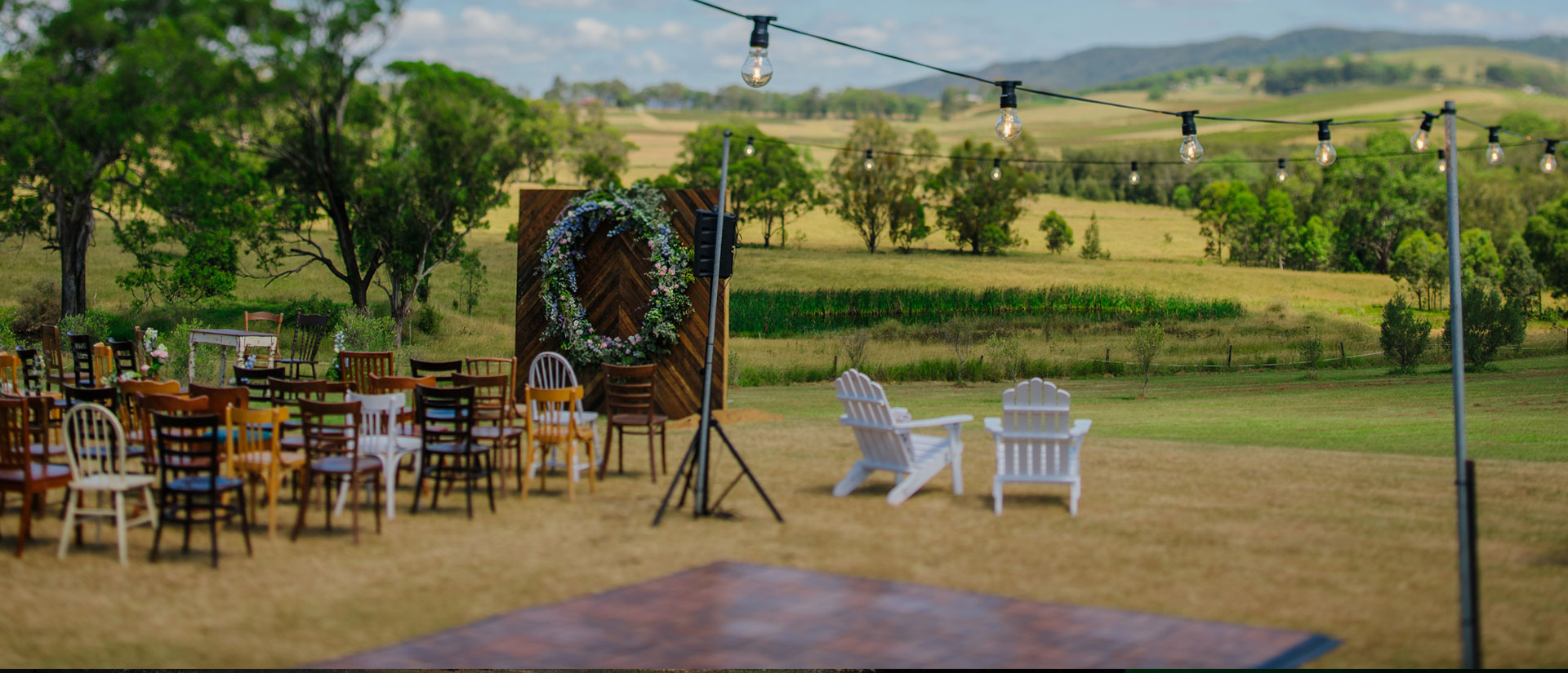 WEDDINGS & EVENTS AT HANGING TREE